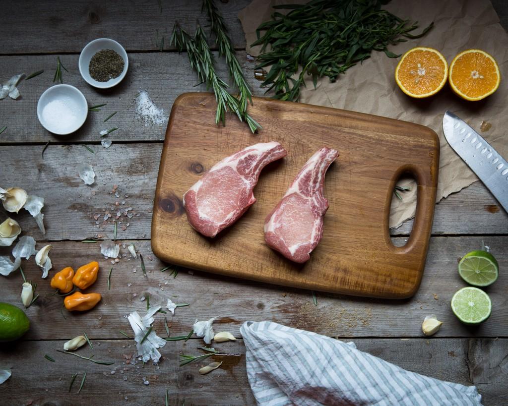 pork shoulder chop all natural hog farm fresh meat delivery never frozen pork high quality protein